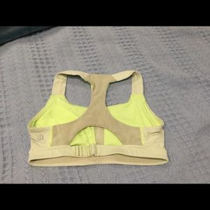 LULULEMON sport bra size 4 good condition